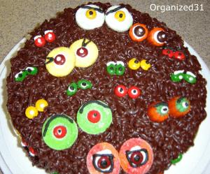 Halloween Scary Eyes Cake