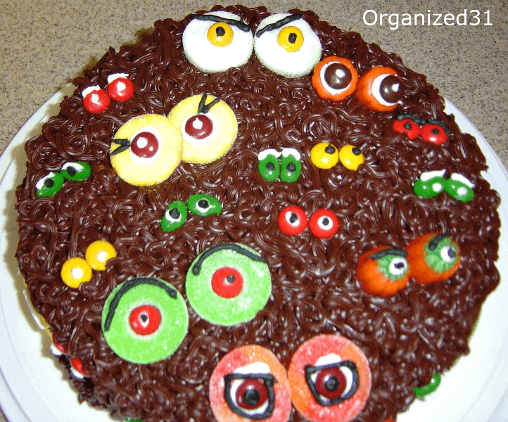 Halloween Scary Eyes Cake