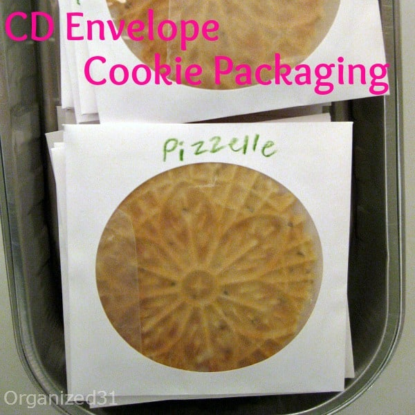 Use a CD envelope to wrap a cookie - Organized 31