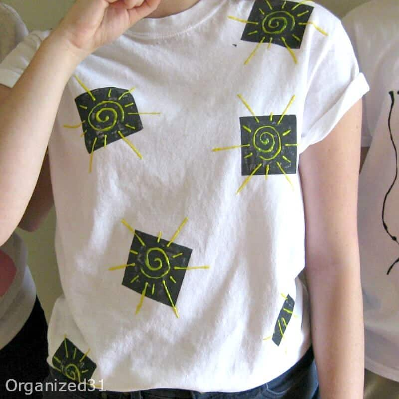 80s Style Painted Tees - Have fun painting 80's inspired t-shirts with fabric paint