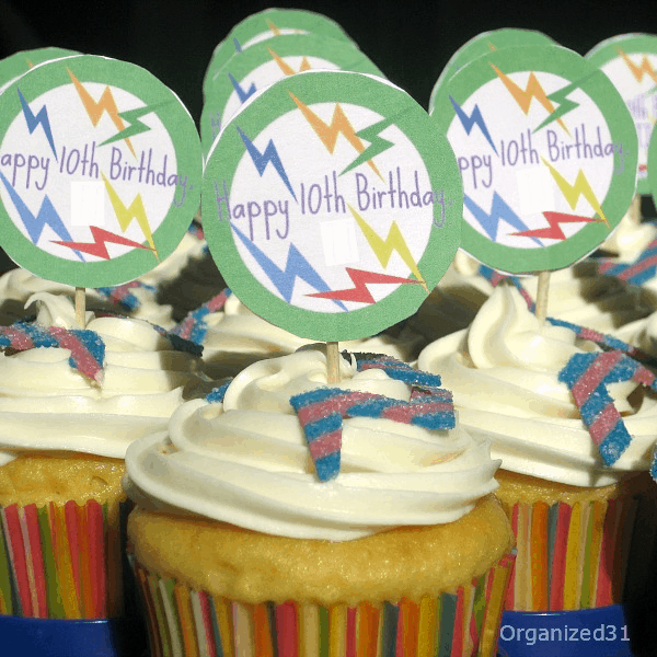 Organized 31 - Easy to make decorated cupcakes for a laser tag party
