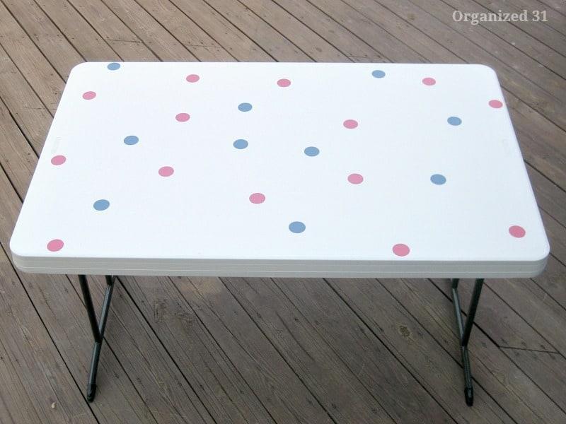 Easy Polka Dot Table Decorations - Organized 31