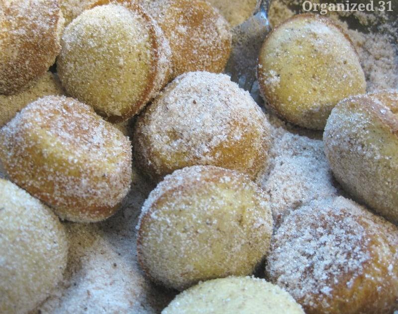 Cinnamon Donut Muffins - Organized 31