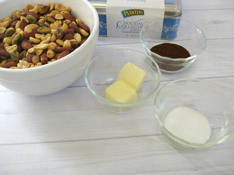 Chili Mixed Nuts Recipe - Organized 31  #GoNutsforNuts #ad