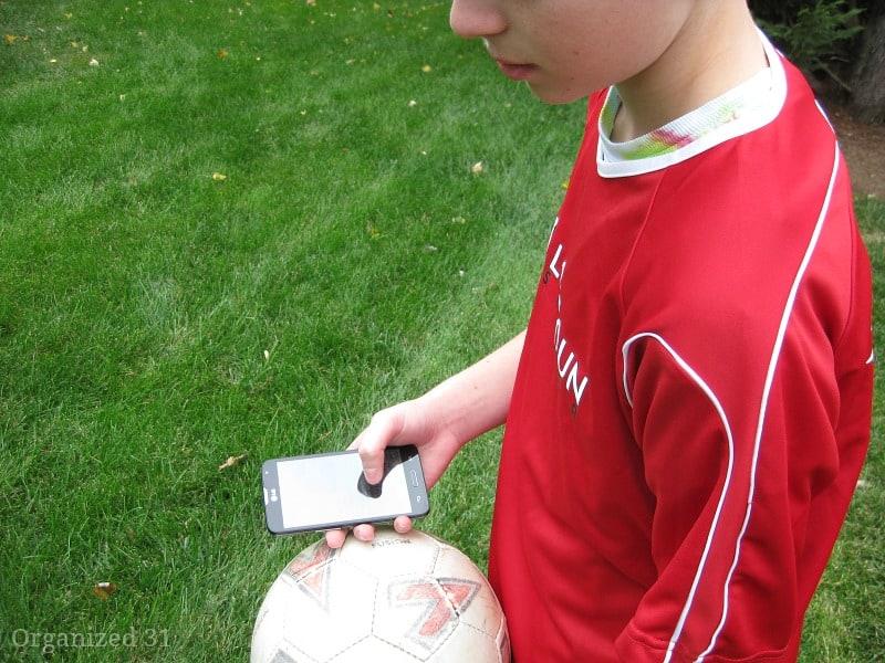 Teaching Responsible Cell Phone Use - Organized 31 #VirginMobileMom #MC #sponsored