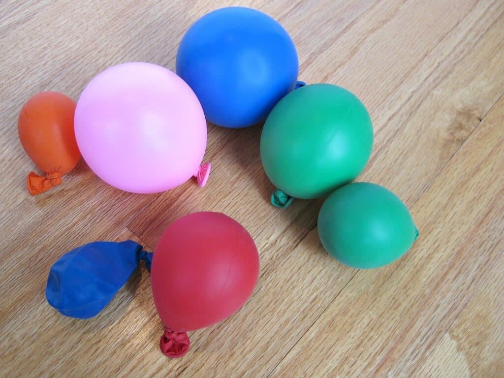 different sizes and colors of inflated balloons
