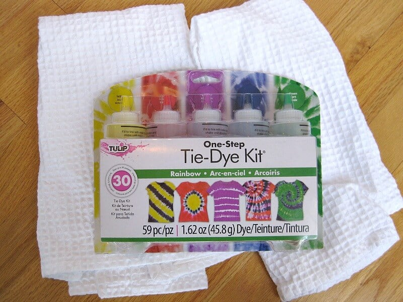 DIY Tie Dyed Dish Towels. Make these easy tie dye towels for yourself or to give as gifts.