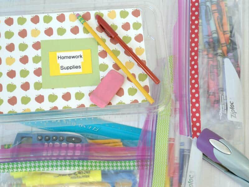Easy and inexpensive tips for back-to-school organization. #ZiplocBackToSchool #Ad