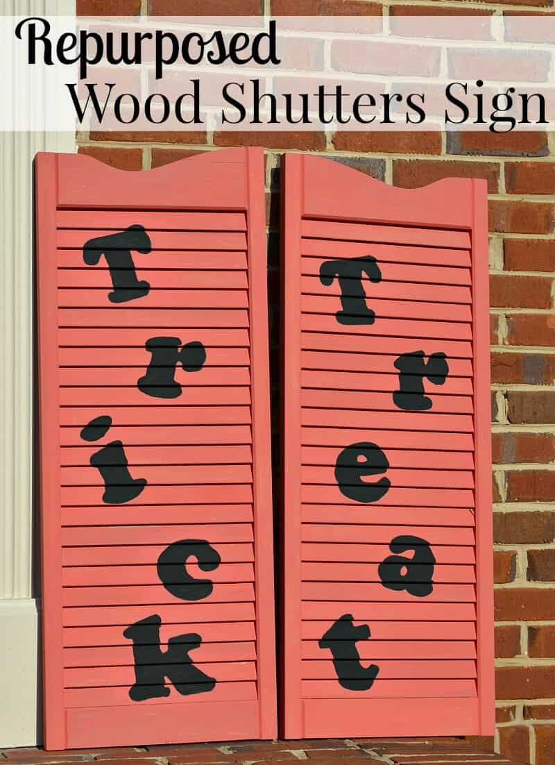 Make these Repurposed Wood Shutters Sign for Halloween
