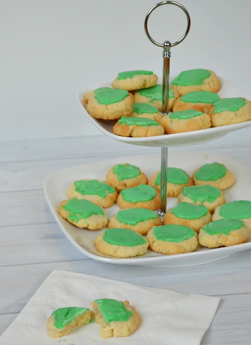 Make this family favorite recipe for almond cookies with icing for your holiday entertaining, Christmas cookies, for St. Patrick's Day or anytime you need a green cookie. | Organized 31