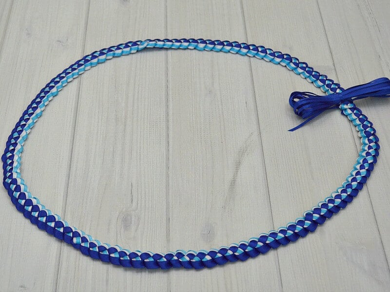 How To Make A Ribbon Lei With 3 Colors Organized 31