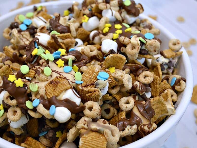 Cereal Snack Mix Close UP