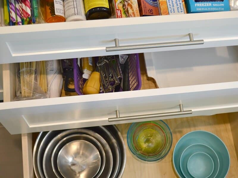 Why you want kitchen storage drawers instead of cabinets to organize your kitchen. |Organized 31