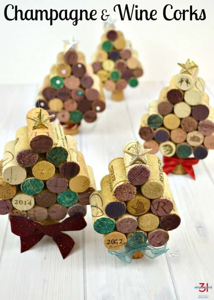 These champagne & wine corks craft is easy to make and is an adorable Christmas decoration & gift.
