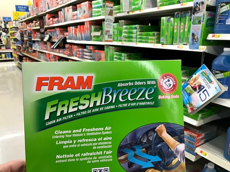 Tips for a clean car interior in no time. Take advantage of time spent waiting at sports practices and kids' activities to keep your car clean and fresh. #FRAMFreshBreeze [ad]