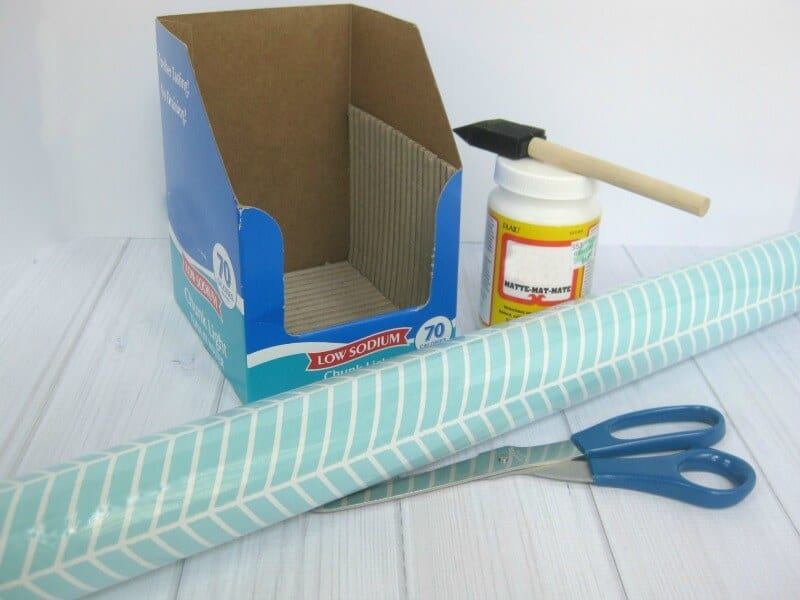 Make a DIY Back-to-School Organizer for desk supplies. Staying organized is key to academic success. Organize your environment for homework & school work.