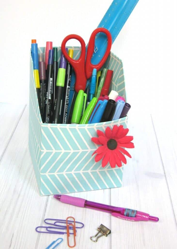DIY Pencil cup with pencils and supplies