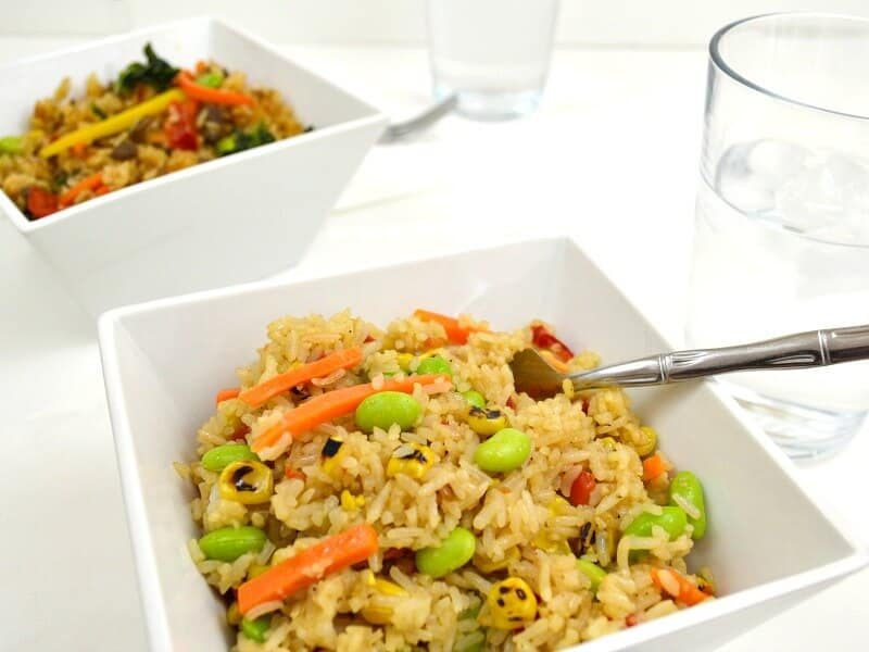 Even on busy nights, you can sit down to fast family meals that everyone will love. Ling Ling Fried Rice makes it easy to make dinner any busy night.