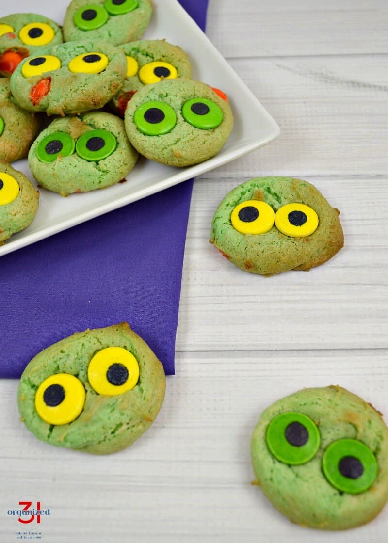 Monster Eyeball Cookies are so easy to make and always impress. Perfect for parties and Halloween.