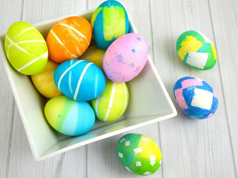 Dyed egg designs that are easy to make with items you already have at home. Dyed Easter egg designs can be beautiful and also simple to do.