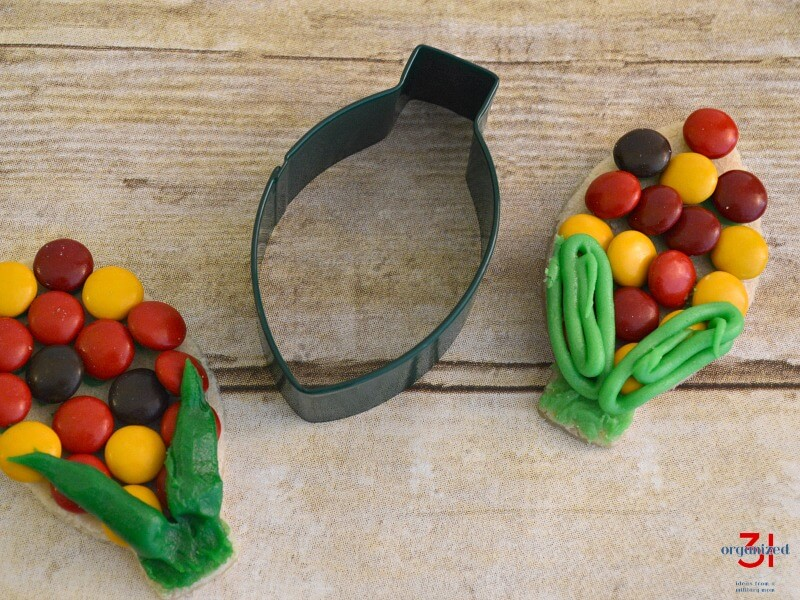cookie cutter with 2 ear of corn cookies