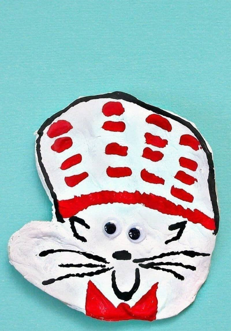 DIY Cat in the Hat craft project