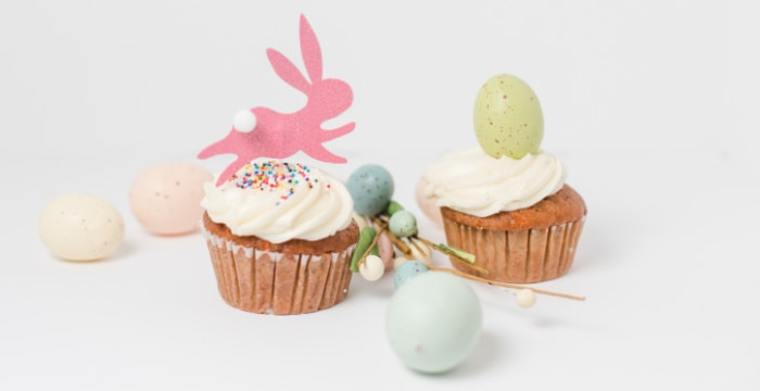 cupcake with pink bunny and cupcake with green Easter egg